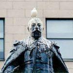 piccione statua